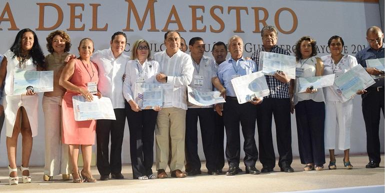 dia_maestro_evodio_acapulco