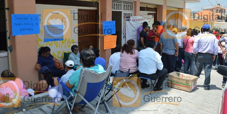 maestros_ayotzinapa_oficinas_seg (1)