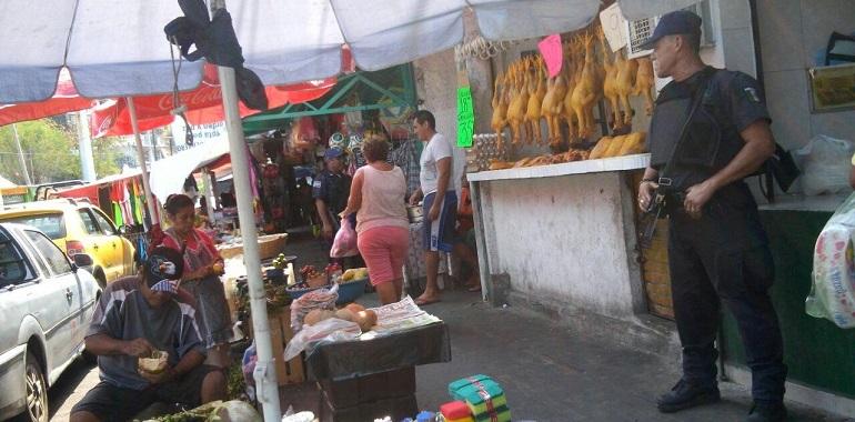 mercados_acapulco_policias