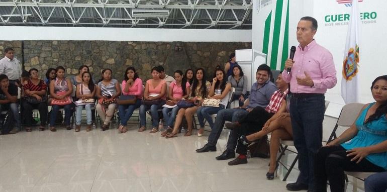 Digital guerrero se entregar 605 plazas a maestros que for Convocatoria maestros 2016