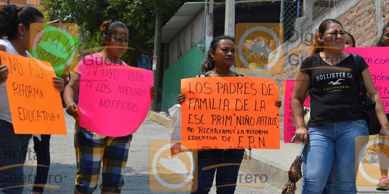 protesta_chilpancingo_escuela (2)