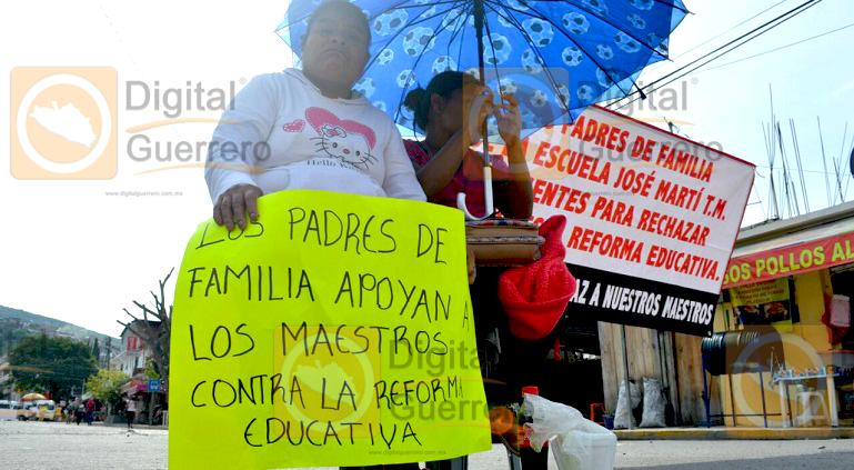 bloqueo_chilpancingo_reforma_educativa (1)