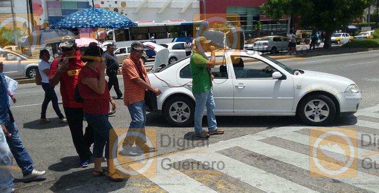 bloqueo_costera_maestros_ceteg_acapulco (2)