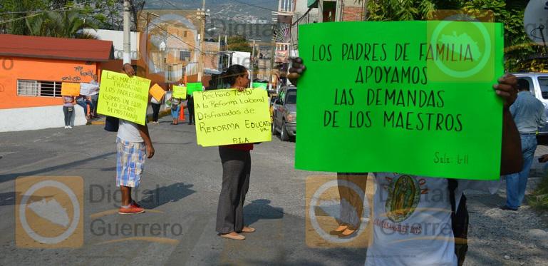 bloqueos_chilpancigno_maestros_ceteg (2)