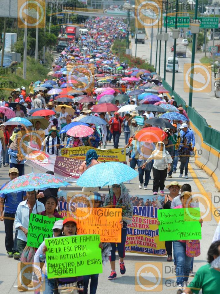 marcha_ceteg_chilpancingo_reforma educativa (2)