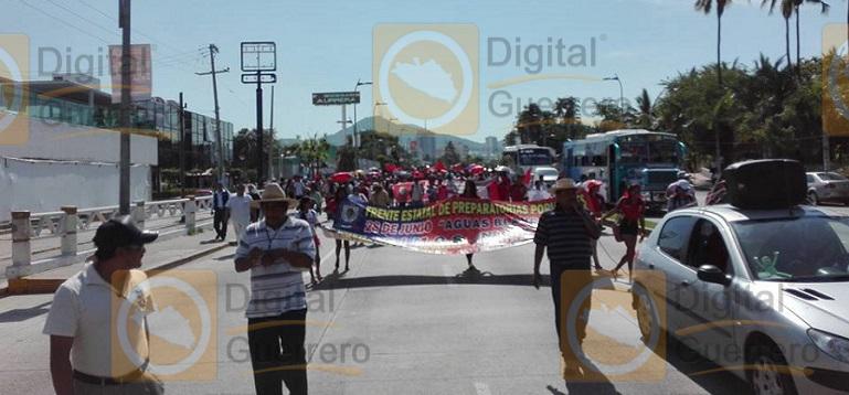 marcha_prepas_populares_acapulco3