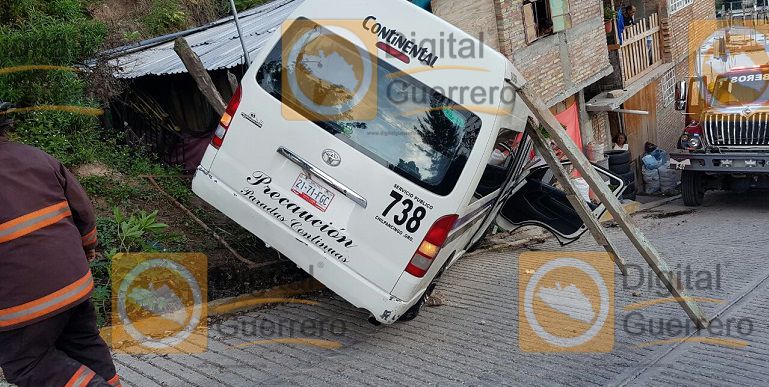 urvan_frenos_accidente_chilpancingo (2)