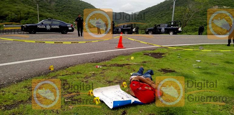 Localizan a un hombre ejecutado en la carretera federal Chilpancingo-Iguala