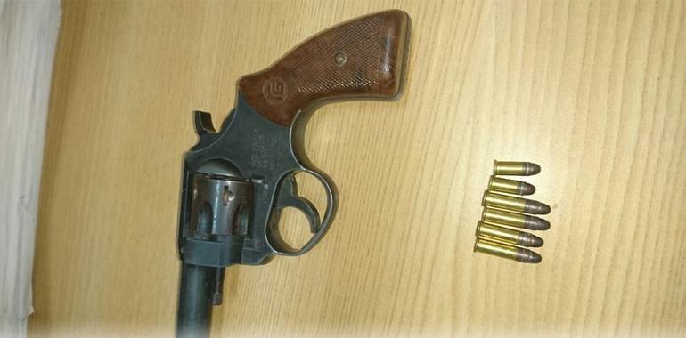 Policía Estatal Acreditable asegura en Tlapa a probable responsable del delito de portación de arma de fuego