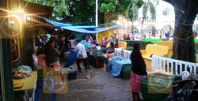 zocalo_mercado_ayutla