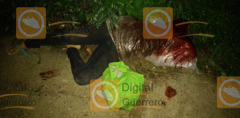 Abandonan el cuerpo de una mujer decapitada en Los Mangos de Acapulco