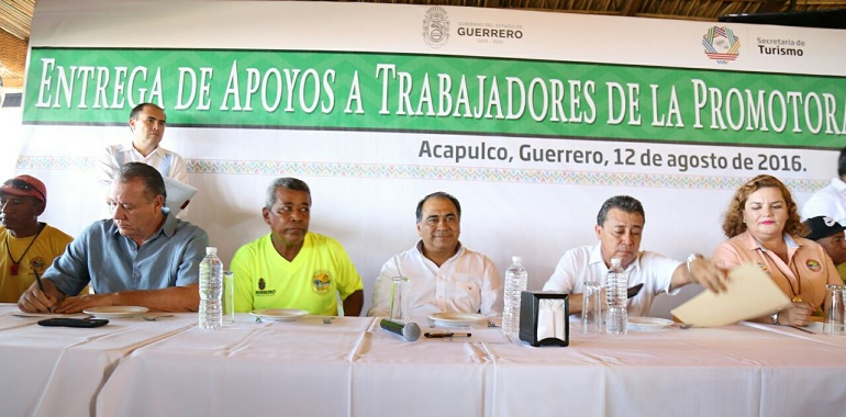 Entrega Héctor Astudillo a Promotora de Playas apoyos por más de 5 mdp en bonos 2