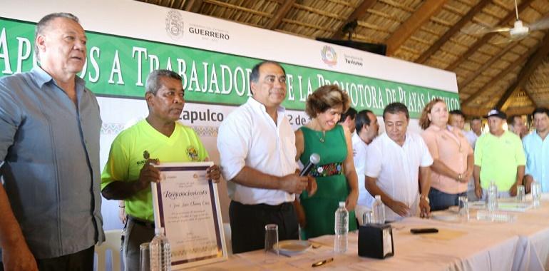 Entrega Héctor Astudillo a Promotora de Playas apoyos por más de 5 mdp en bonos