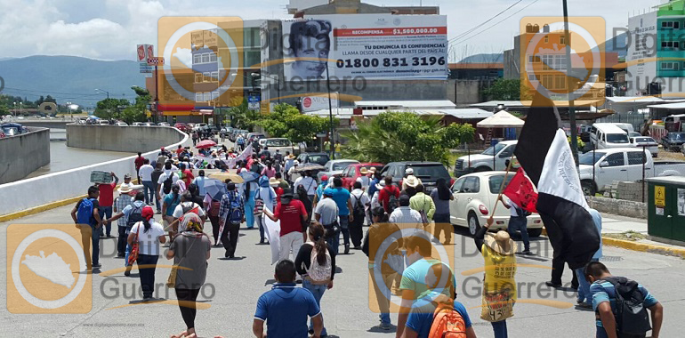 Marchan familiares de víctimas de desaparición forzada, en Chilpancingo 2