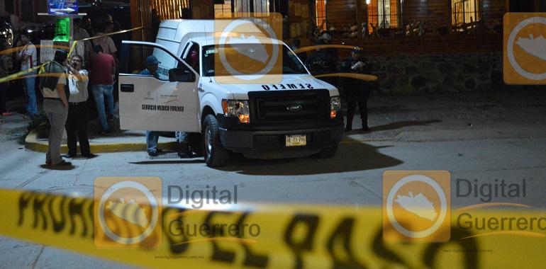 Un muerto y tres heridos deja asalto en Chilpancingo 2