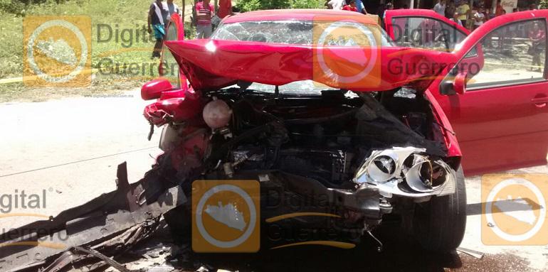 accidente_taxi_jetta_acapulco (1)