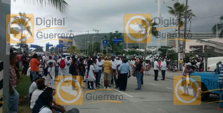 bloqueo_boulevard_naciones_acapulco1