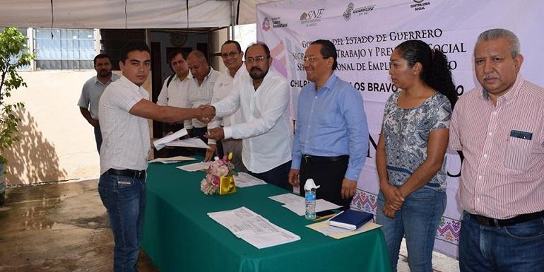 entrega_becas_empleo_chilpancingo (1)