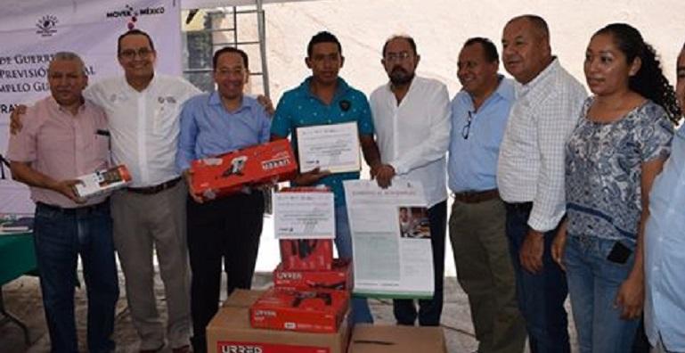 entrega_becas_empleo_chilpancingo (2)