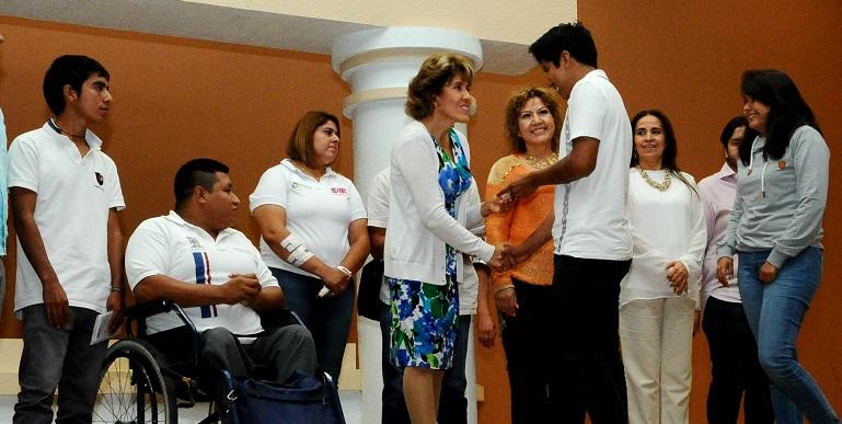 entrega_becas_sociales_chilpancingo (2)