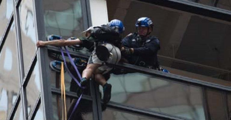 escalador_detenido_torre_trump
