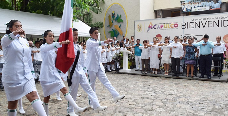 lunes_bandera_tecnia_1_acapulco (2)