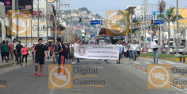 marcha_funpeg_acapulco_plazas (1)