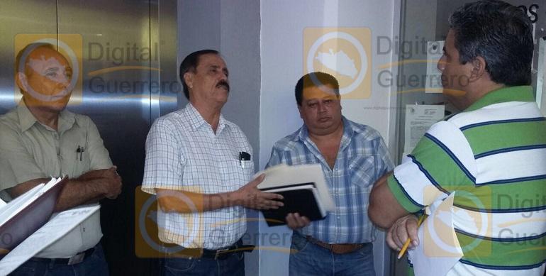 protesta-palacio_municipal_chilpancingo (1)