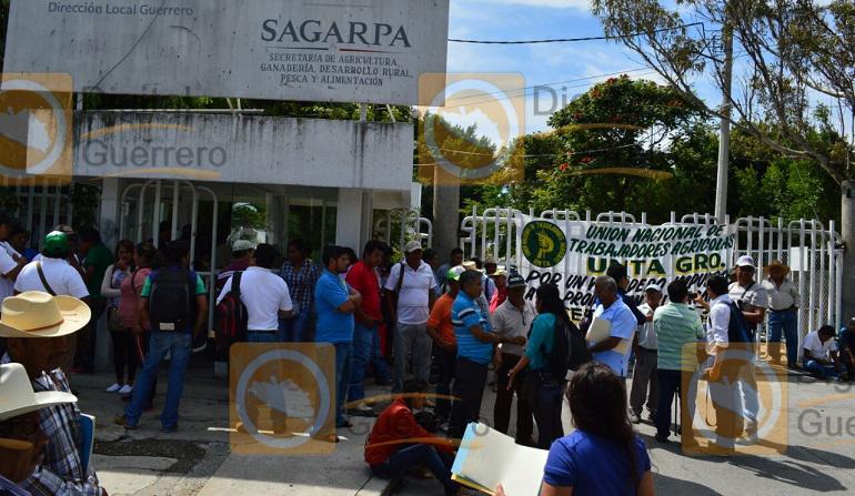 protesta_campesinos_sagarpa_chilpancingo (1)