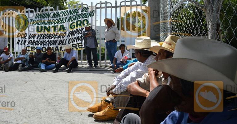 protesta_campesinos_sagarpa_chilpancingo (2)