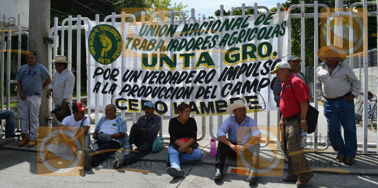 protesta_campesinos_sagarpa_chilpancingo (3)