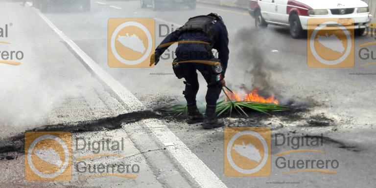 quema_llantas_chilpancingo_ayotzinapa (3)
