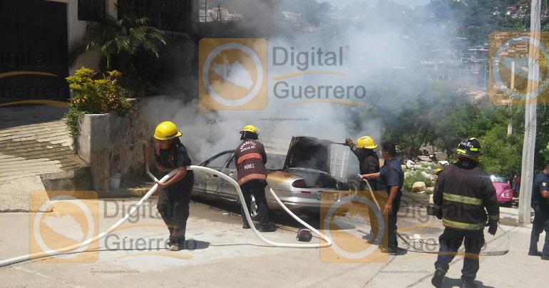vehiculos_incendiados_acapulco_narcomensaje (1)