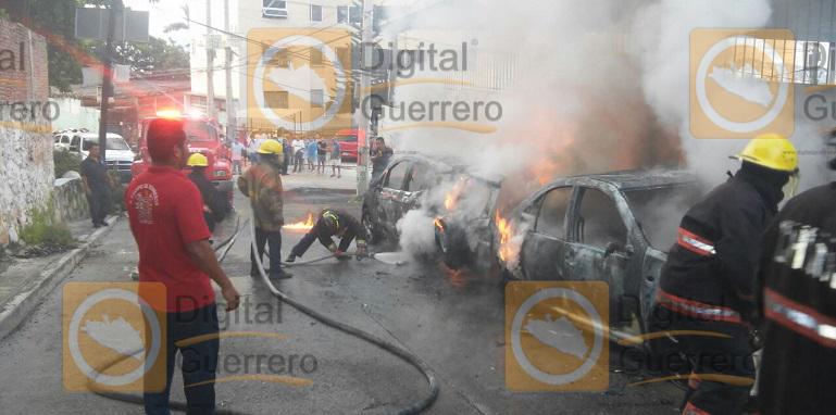 vehiculos_incendiados_roble_acapulco (1)