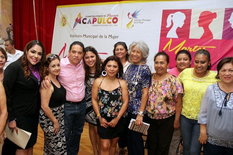 atencion-a-la-mujer-para-construir-el-nuevo-acapulco-contigo
