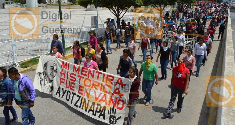 marchan-a-casi-dos-anos-del-caso-ayotzinapa-en-chilpancingo