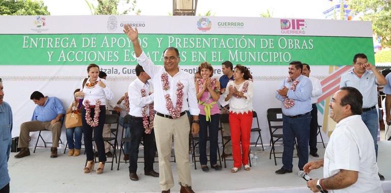 obras-y-acciones-sociales-por-mas-de-16-mdp-anuncia-hector-astudillo-para-cuetzala-del-progreso