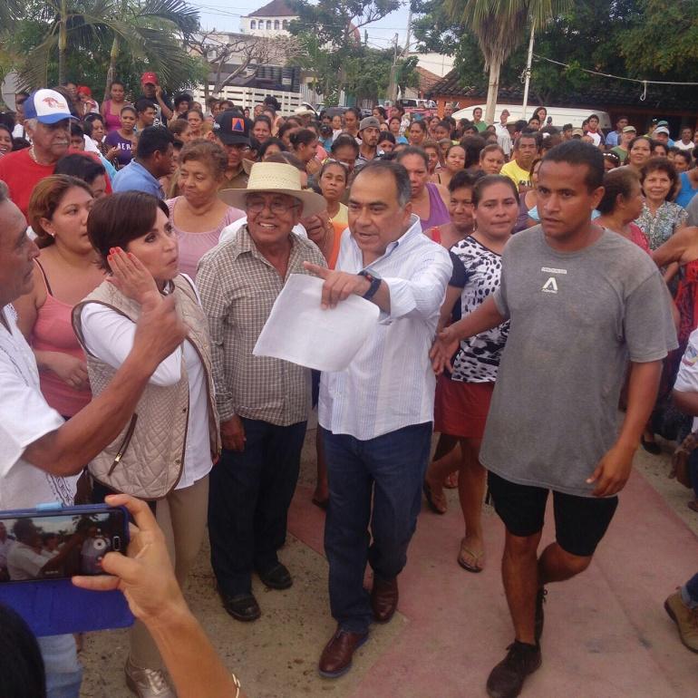 Recorren Héctor Astudillo y Rosario Robles comunidades afectadas por las lluvias en San Jerónimo 1
