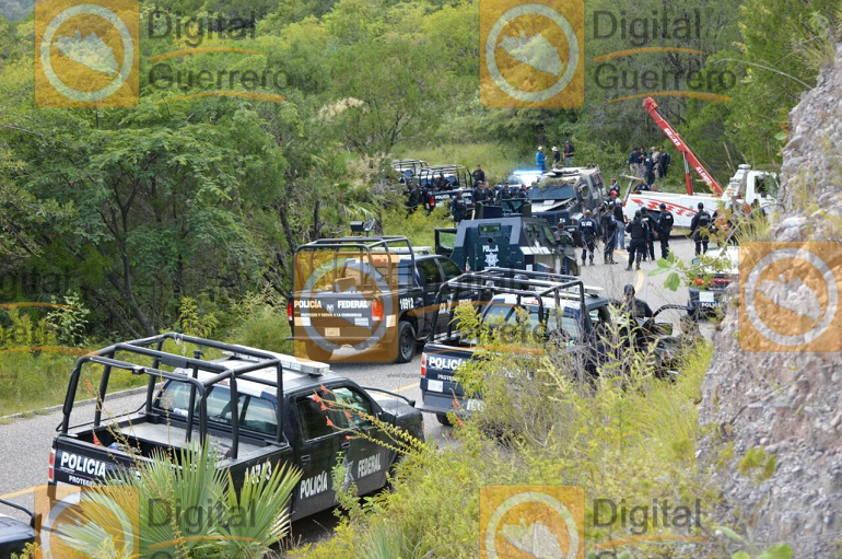 se-accidenta-policia-federal-que-acudieron-a-chichihualco-1