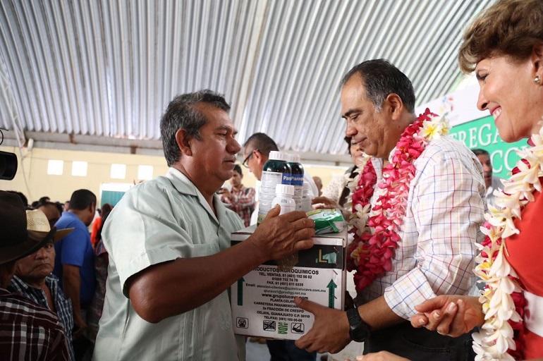 se-destinan-cerca-de-200-mdp-para-obras-sociales-y-apoyos-en-ayutla-haf-6