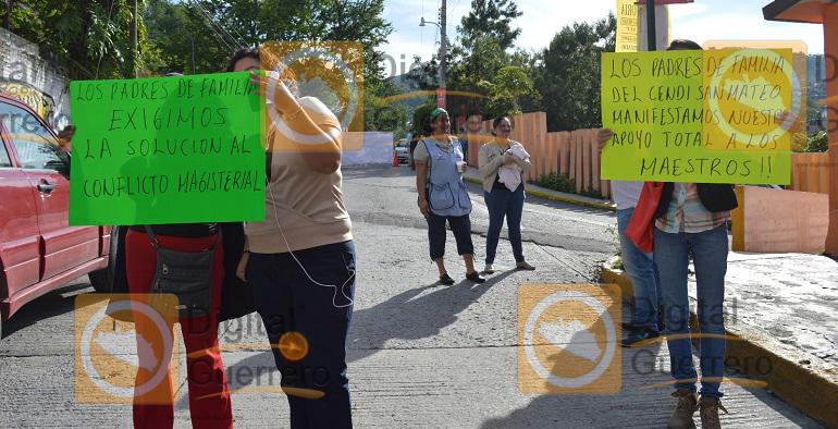 bloque_chilpancingo_despido_maestros (4)