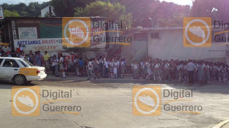 bloqueo_autopista_sol_acapulco-1