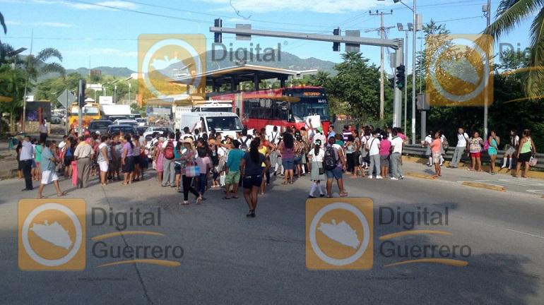 bloqueo_autopista_sol_acapulco-2