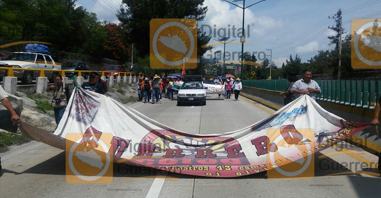bloqueo_ceteg_autopista_chilpancingo (2)
