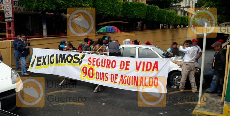 bloqueo_trabajadores_chilpancingo-1