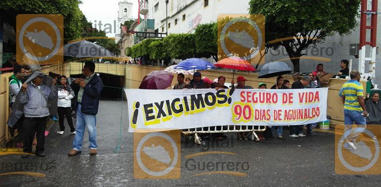 bloqueo_trabajadores_chilpancingo-2
