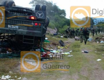 camion_militar_accidente_iguala-1