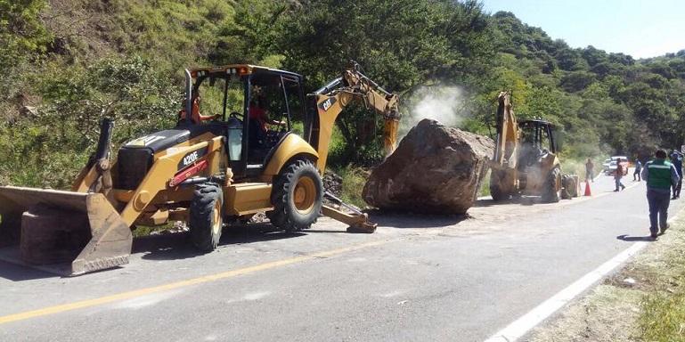 chilpancingo_tixtla_rocas_carretera (2)