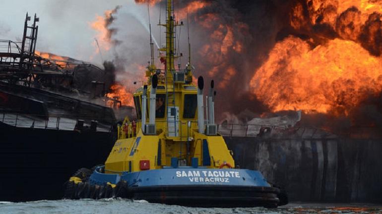 incendio_buque_pemex