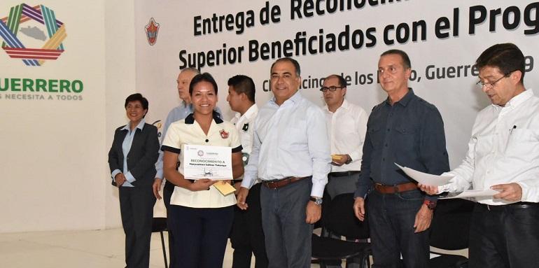 incentivos_jovenes_practicas_ingles-2